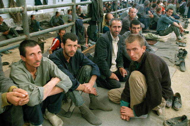 Manjaca-concentration-camp-near-Prijedor-north-west-Bosnia-Isabel-Ellsen-1993-Source-Srebrenica-Genocide-Blog